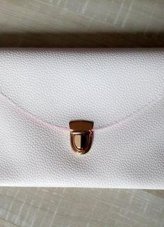 Kup mój przedmiot na #vintedpl http://www.vinted.pl/damskie-torby/kopertowki/15294391-sliczna-mala-torebka