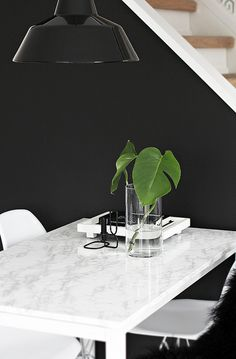 Marble Dining Table DIY - can i have my own house now so i can make crafty things to go in it