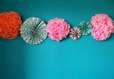 Pompom paper.  Fleur en papier de soie.  Mademoiselle Claudine.