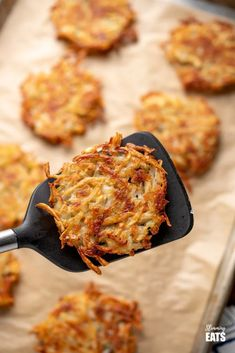 No breakfast is complete without Crispy Golden Hash Browns and these are syn free and delicious! Dairy free, Gluten Free, Vegetarian, Slimming World, Paleo and Weight Watchers friendly Vegan Breakfast Recipes, Brunch Recipes, Healthy Recipes, Milk Recipes, Overnight Oats, Slimming World Hash Brown, Slimming World Recipes Syn Free, Speed Foods, Slimming Eats
