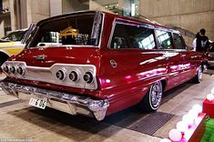 Photo of Japanese lowriders at the final Japan Lowrider show of 2009 in Tokyo, Japan. Lowrider Show, Arte Lowrider, Station Wagon Cars, Chevrolet Impala, 1957 Chevrolet, Chevrolet Trucks, Us Cars, Custom Cars, Cars And Motorcycles