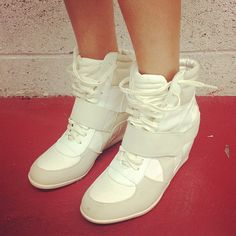Sneaker wedgessss♥3 #sneakers #shoes #wedges Have these in nude khaki colors  Goes well with wide leg yoga pants and skinny jeans  Xthea