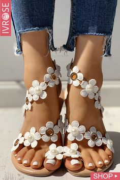 Floral Embellished Toe Ring Casual Sandals Source by de mujer sandalias Cute Shoes, Me Too Shoes, Women's Shoes, Shoes For Jeans, Cute Casual Shoes, Dance Shoes, Fab Shoes, Footwear Shoes, Pretty Shoes