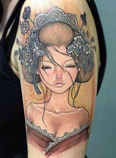 tatouage bras femme avec geisha de style japonais