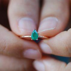natural emerald ring, emerald ring, natural stone ring, emerald ring gold, rose gold thin ring, alternative engagement ring simple