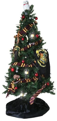 Harry Potter Christmas Tree... knit the Gryffindor scarf to put around my tree :)