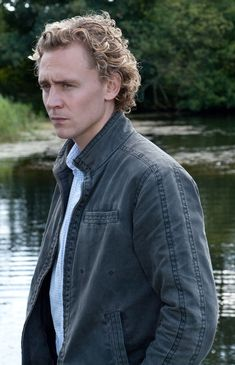 Character - August Hudson  (actor - Tom Hiddleston)