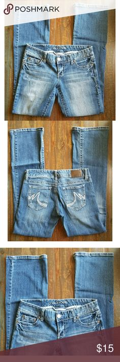"""Maurices Flared Jeans Gently used flared jeans. No rips, stains, or holes.   98% Cotton • 2% Spandex   Approximate measurements   WAIST- 15.5"""" INSEAM- 33"""" Maurices Jeans Flare & Wide Leg"""