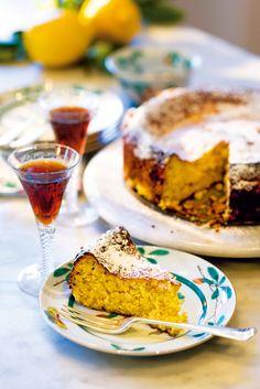 Ricotta, almond and lemon cake