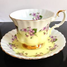 Royal Albert, Inglaterra, '4361' taza de té violetas, 1960's-1970's
