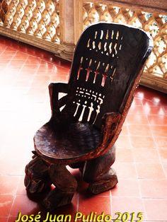 Silla-trono. Chair-throne.