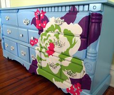 Putting the laundry away would be SO much more fun with a beautiful painted dresser like this one!