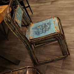 Rad old chair Old Chairs, Metal Chairs, Industrial Chair, Vintage Industrial, Funky Art, Old Furniture, Antique Metal, Upholstered Dining Chairs, Good Old