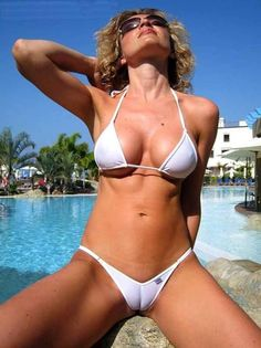 If you're a fan of sexy pics of camel toes, these are the best of the best! Panties that's too tight, yoga pants that are too thin, bikini bottoms that are pulled too high! Bikini Babes, Sexy Bikini, Thong Bikini, Mädchen In Bikinis, String Bikinis, Swimsuits, Swimwear, Supergirl, Gorgeous Women