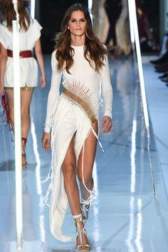 White Long Dress with a Gold Swirl Waistline and Fringed Hemline by Sfilata Alexandre Vauthier Parigi - Alta Moda Autunno-Inverno 2015-16 - Vogue