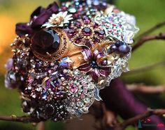 Unusual wedding bouquets  Keywords: #weddingbouquets #jevel #jevelweddingplanning Follow Us: www.jevelweddingplanning.com www.pinterest.com/jevelwedding/ www.facebook.com/jevelweddingplanning/