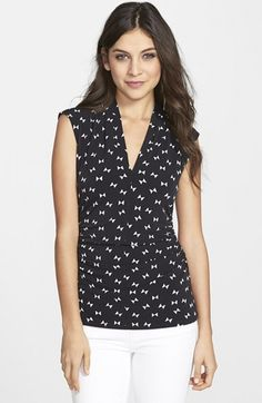 Vince Camuto Geo Print Cap Sleeve Pleated V-Neck Top | Nordstrom
