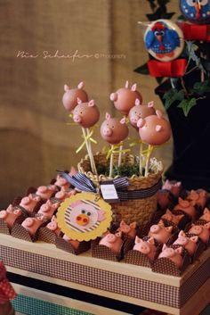 Pig cake pops | CatchMyParty.com