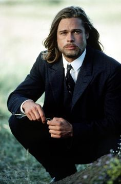 brad from Legend of the Falls. My favorite Brad Pitt EVER! Brad Pitt And Angelina Jolie, Jolie Pitt, Oklahoma, Jennifer Aniston, Non Plus Ultra, Kris Kristofferson, Wedding Hairstyles For Long Hair, Good Looking Men, Famous Faces