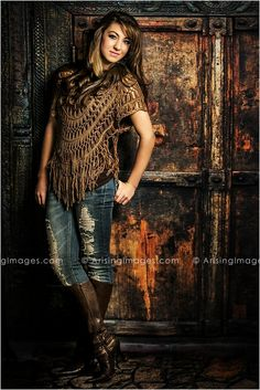 Awesome fashionable senior pictures in Michigan. Love her outfit! #arisingimages #seniorpics #fasion #photoshoot #seniors