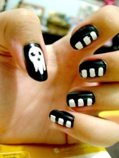 Soul eater death the kid nail art Cute Nails, Pretty Nails, Kid Nails, Funky Nails, Anime Nails, Nail Art For Kids, Cosplay Anime, Nail Decorations, Soul Eater