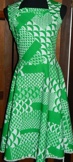 60s 70s MAD-MEN Op ART GREEN AND WHITE   DRESS  SIZE SMALL/MEDIUM #Fashion #Style #Deal
