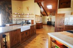 Ree Drummond / The Pioneer Woman - The Lodge kitchen