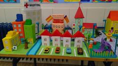 How to Make a Milk Carton Village School Projects, Projects For Kids, Art Projects, Diy And Crafts, Crafts For Kids, Paper Crafts, Cardboard City, Paper Doll House, Recycled Art