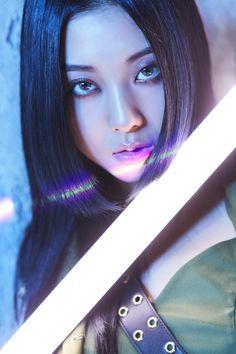 K Pop, Kpop Girl Groups, Kpop Girls, Maya, Korea, Camera Shy, Cube Entertainment, Mean Girls, Ulzzang Girl