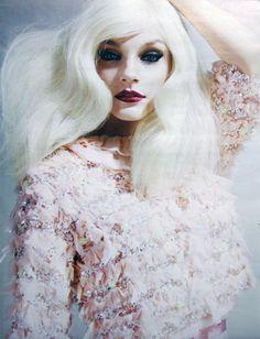 Snow White W Korea Magazine Fashion Beauty Cat Eye White Hair Trend Style