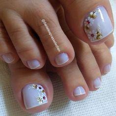 23 that will make you bright summer nails designs glitter fun 023 Cute Toe Nails, Toe Nail Art, Gel Nails, Bright Summer Nails, Summer Acrylic Nails, Pedicure Designs, Toe Nail Designs, Nail Printer, New Nail Art Design