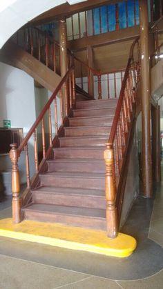 Escadaria da Prefeitura Municipal de Senhor do Bonfim, Bahia. Lindo demais, só necessita de cuidados!
