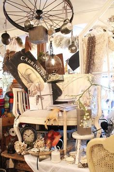 Common Ground: Robin's Vintage Suitcase Fall Open House - old ...