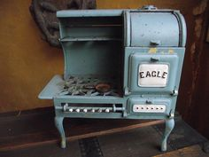 """1920s Cast Iron 12"""" Hubley Eagle Stove childs toy Saleman Sample Rare size NR #Hubley"""