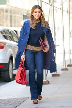 Jessica Alba office chic outfit