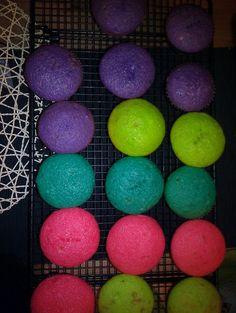 Neon cupcakes! So fun!