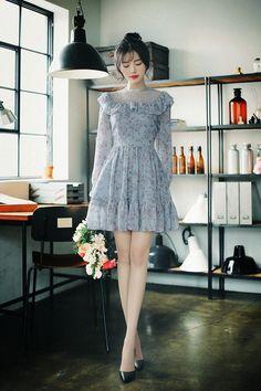 daily 2019 feminine& classy look Elegant Dresses Classy, Classy Dress, Casual Dresses, Short Dresses, Korean Girl Fashion, Ulzzang Fashion, Asian Fashion, Kpop Fashion Outfits, Fashion Dresses