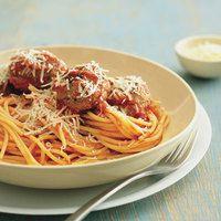 Spaghetti with mozzarella stuffed meatballs (Rachael Ray) Recipes Using Pasta, Best Pasta Recipes, Beef Recipes, Dinner Recipes, Cooking Recipes, Turkey Recipes, Easy Recipes, Dinner Ideas, Best Spaghetti Recipe