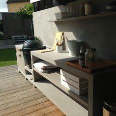 Buitenkeuken op maat gemaakt door MAEK  Info@maekmeubels.nl