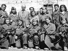 28 Badass Historic Pictures Of Women During WWII Related ideas for Bridesmaid DressesBrazilian 🇧🇷Female Soldier Go after your dream. Home Guard, Smile And Wave, Female Soldier, Strange History, Red Army, Historical Pictures, British History, North Africa, World War Ii