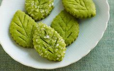 ~ Matcha is finely powdered green tea. The cultural activity called the Japanese tea ceremony centers on the preparation, serving, and drinking of matcha. (How To Make Cake Tea Parties) Matcha Cookies, Matcha Cupcakes, Green Tea Cookies, Mint Cookies, Cookie Recipes, Dessert Recipes, Leaf Cookies, Green Tea Recipes, Galletas Cookies