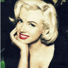 pin up art posed marilyn monroe Hollywood Glamour, Classic Hollywood, Old Hollywood, Divas, Marilyn Monroe Fotos, Marilyn Monroe No Makeup, Viejo Hollywood, Actrices Hollywood, Celebrity Gallery