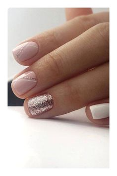 Semi-permanent varnish, false nails, patches: which manicure to choose? - My Nails Elegant Nail Designs, Elegant Nails, Nail Art Designs, Stripe Nail Designs, Gel Manicure Designs, Shellac Nails, My Nails, Nail Polish, Prom Nails
