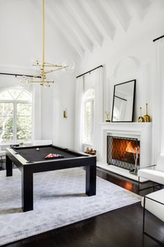 BECKI OWENS—Before and After: Leah Remini's Pool Room