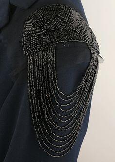ZY DIY Gift Provided! 2pcs/pair Elegant Brand New Design Black Beaded Tassel Epaulet Badge Free Gift bead badge