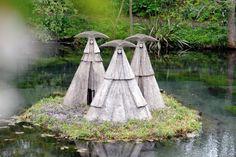 Philip's sculptures create a dramatic scene in the cocking garden.LA1500114-10 SUS-150905-180023008