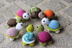 Polly kreativ: Wo wollen die denn hin? - Gehäkelte Schildkröten.