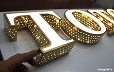 Supply-Dot-Lit-Acrylic-Channel-Letter-Sign to UK within 2 weeks, ul listed LED Letters. Shop Board Design, Name Board Design, Shop Signage, Signage Design, Lettering Design, Channel Letter Signs, Shoe Store Design, Industrial Wall Shelves, Small House Interior Design