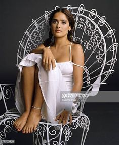 Want to see more sexy Salma Hayek pictures? Pin this if you like and click the link to see Salma Hayek and many other sexy celebrity pictures Salma Hayek Feet, Salma Hayek Style, Salma Hayek Body, Selma Hayek, Beautiful Celebrities, Beautiful Actresses, Gorgeous Women, Salma Hayek Pictures, Sexy Legs And Heels