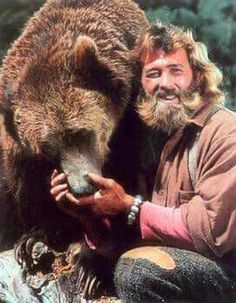 Dan Haggerty known for staring Grizzly Adams in the film and TV series has died at the age of The Grizzly Adams, Photo Vintage, Vintage Tv, Mejores Series Tv, Childhood Tv Shows, Old Shows, Great Tv Shows, Thundercats, Mountain Man